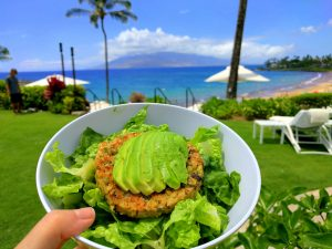5 Tips to Eat Healthy While on Vacation
