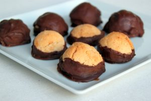 Chocolate Dipped Macaroons – Vegan & Gluten Free